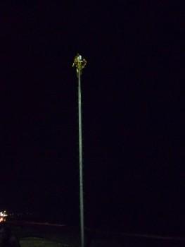 voladores w Puerto Vallarta nocą