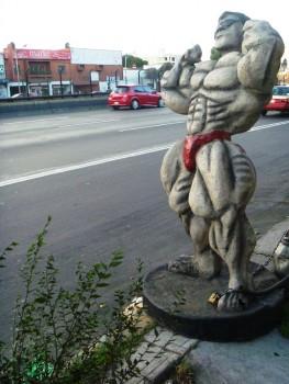 Posąg przy ulicy Miasto Meksyk