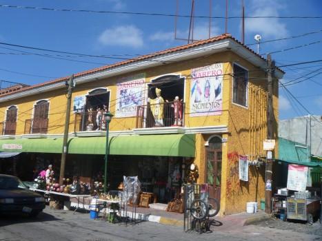 Tonala - ulica bożonarodzeniowych wyrobów