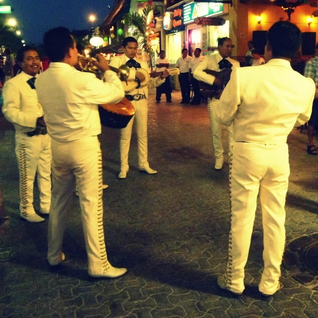 mariachi-playa-del-carmen
